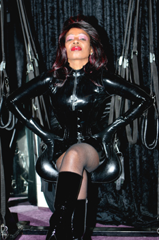 London-Mistress-Queen-Ebowe1