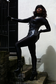 London-Mistress-Queen-Ebowe2