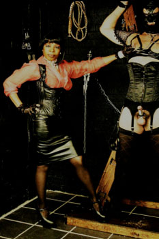 London-Mistress-Queen-Ebowe4