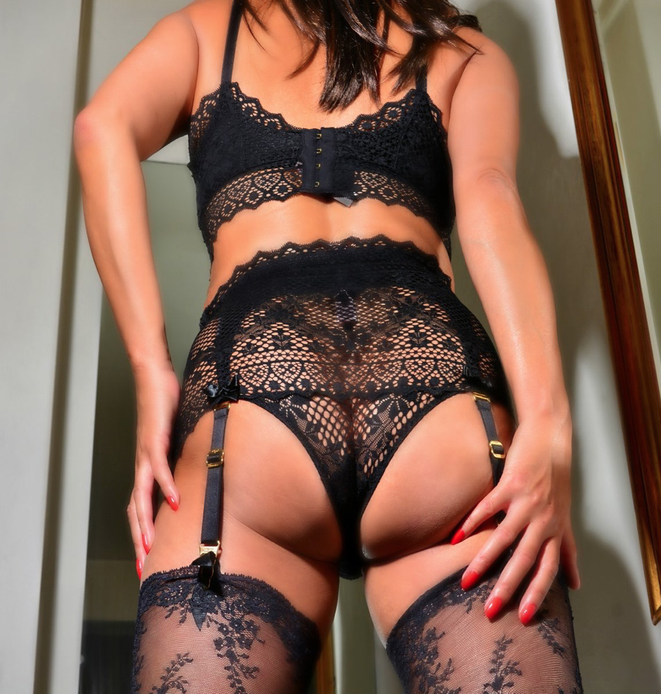 london-mistresses-lady-seductress-lingerie
