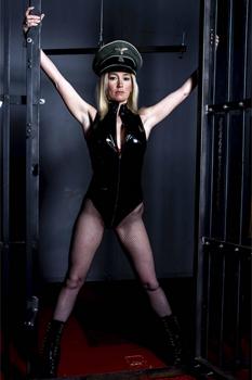 Manchester-Mistress-Luci-White10